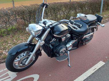 XVS 1300 A MIDNIGHT STAR