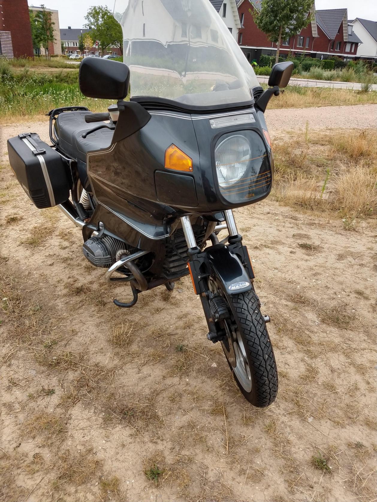 BMW - R100RT