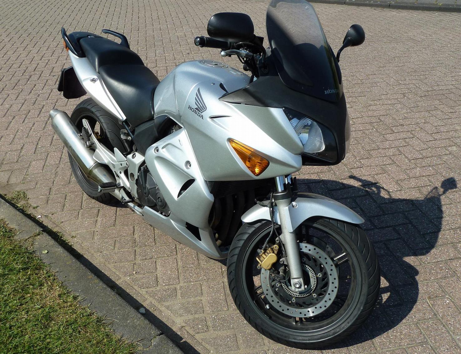 Te Koop: HONDA CBF 600 S ABS - BikeNet
