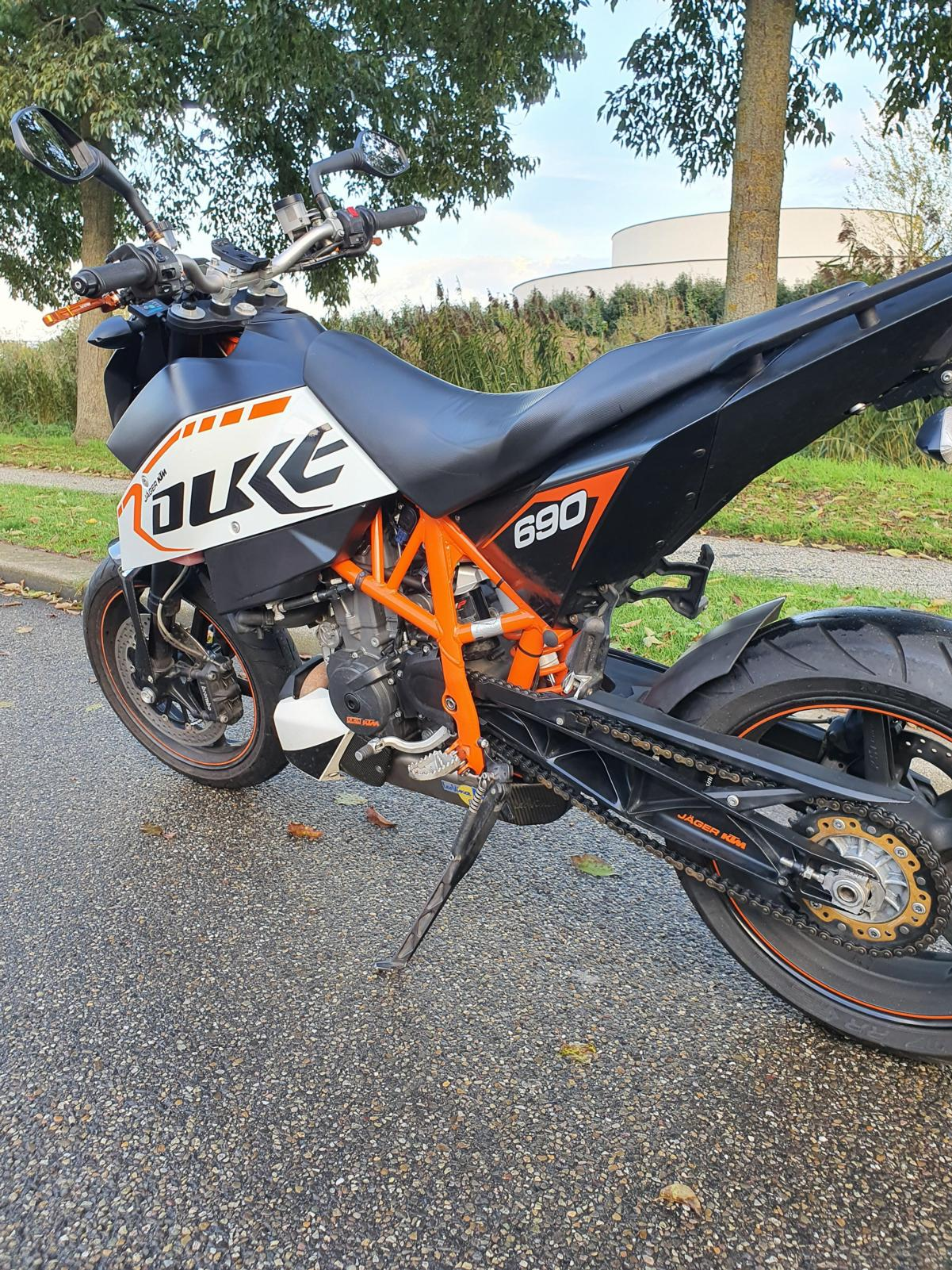 KTM - 690 DUKE R ABS