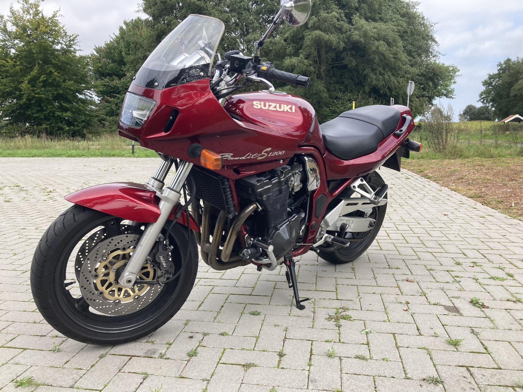 SUZUKI - GSF 1200 S